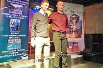 Král vedle krále. Česká cyklistická hvězda Leopold  König a vítěz 15. ročníku seriálu Cykloman Michal Rotter.