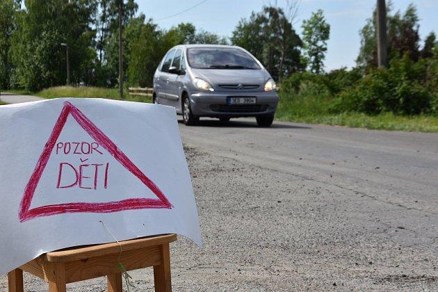 Provizorní značka  úseku u Stáje Pucher v Janově.