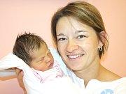 VENDULA PEŘINOVÁ. Narodila se 21. září v 8 hodin. Vážila 3,25 kilogramu a měřila půl metru. S rodiči Zuzanou a Martinem a dvouletou Terezkou žije v Moravské Třebové.