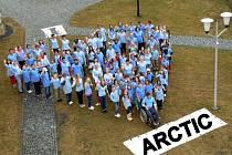 SRDCE PRO ARKTIDU je projekt, do kterého se zapojili žáci a učitelé ze ZUŠ a obyvatelé Domova na zámku v Bystrém.