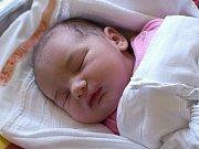 NIKOLA RADILOVÁ. Narodila se 16. března Tereze a Alešovi z Osíku. Měřila 48 centimetrůa vážila 3,45 kilogramu. Má sourozence Natálii a Štěpána.