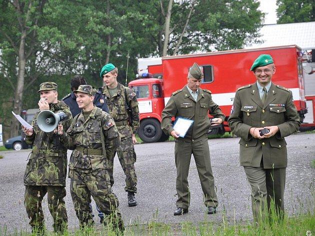 Branný den ve vojenské škole v Moravské Třebové.