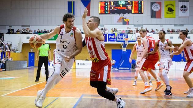 Z utkání Dekstone Tuři Svitavy vs. BK JIP Pardubice.