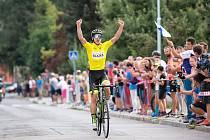 Ve žlutém a první v etapě. Adam Seeman byl v letošním roce na jevíčském závodu jednoznačně nejsilnější.