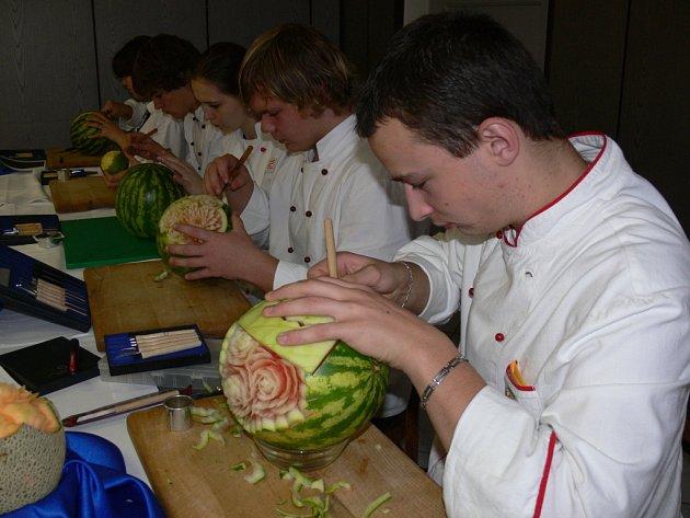 Studenti oboru kuchař - číšník ukázali na dni otevřených dveří svůj um