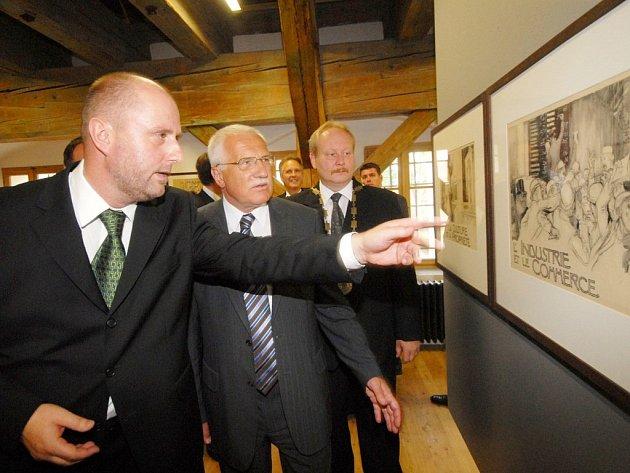 Originální soubor děl Františka Kupky Člověk a země otevřel v Litomyšli český prezident Václav Klaus.
