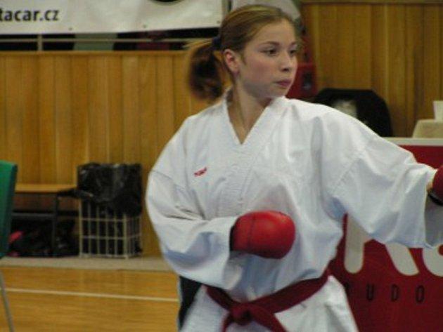 Závodnice klubu Karatedo Němčice Lenka Jůzová