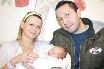 ADRIANA NOVÁKOVÁ. Holčička přišla na svět čtvrtého února v 8.48 hodin v litomyšlské porodnici. Vážila 3,1 kilogramu a měřila 49 centimetrů. Tatínek Jan byl mamince Marii u narození dcerky  oporou. Doma ve Vysokém Mýtě se na Adrianku těší i sestra Barborka