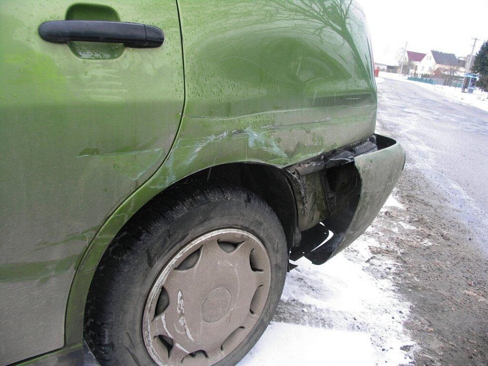 Opilý řidič nezvládl zatáčku.