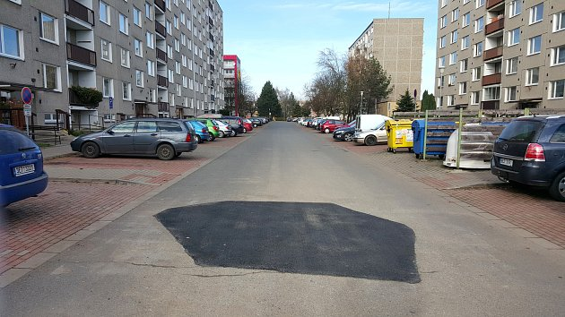 """""""Díra roku"""" v Holandské ulici v Moravské Třebové je opravená."""
