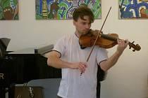 Litomyšlský violista Petr Kovář.