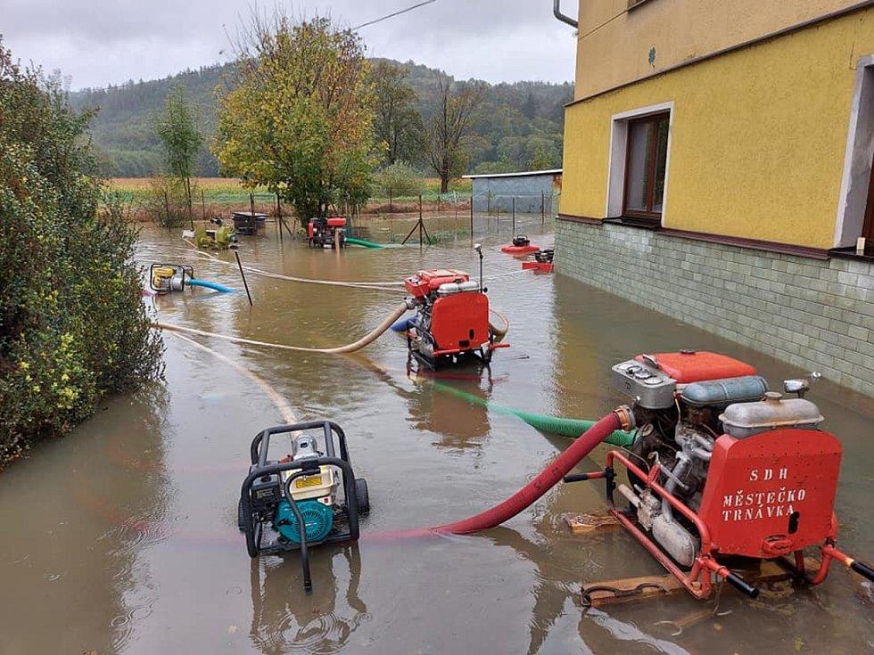 Situace ve Vranové Lhotě: Velká voda na konci okresu.