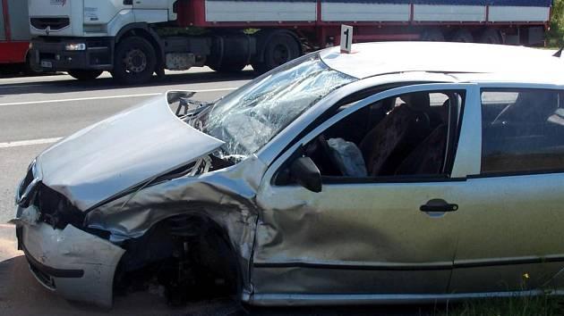 Nehoda, která si vyžádala jeden lidský život, se stala na křižovatce I/35 u Svitav.