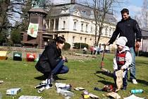 Třídit odpad si mohly vyzkoušet ve svitavském parku  i úplně nejmenší děti.