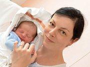 RADEK NUNVÁŘ. Narodil se 6. dubna Renátě a Leošovi z Kamence u Poličky. Měřil 50 centimetrů a vážil 3,7 kilogramu.