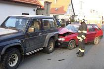 Řidička Škody Felicia narazila do stojícího vozidla Nissan Patrol.