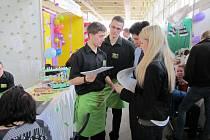 Studenti střední odborné školy z Poličky se ve dnech 19. až 21. března zúčastnili mezinárodního veletrhu fiktivních firem, který se konal v Křižíkově pavilonu v Praze – Holešovicích.