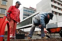 Ilustrační foto: Vidět ukrajinské řemeslníky na stavbách není neobvyklé.