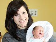 TEREZA KOPECKÁ. Slečna se narodila 23. února ve 21.57 hodin v litomyšlské porodnici. Vážila 3,25 kilogramu a měřila 52 centimetrů. S rodiči Lucií a Oldřichem bude doma v Čisté u Litomyšle.