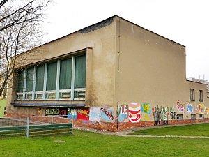 Moravskotřebovský bazén čekají opravy.