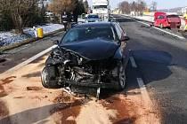 Hromadná nehoda tří aut zablokovala ve čtvrtek odpoledne hlavní silnici I/35 mezi Litomyšlí a Vysokým Mýtem.