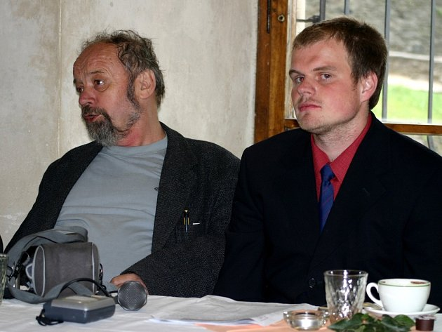 Festival začíná. Pořadatel Milan Daniel (vlevo) a koordinátor festivalu Miloslav Zezula.