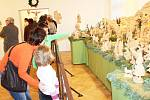 Figurky přitahují především děti. Hledají mezi nimi Tři krále i malého Ježíška. Ve výstavních sálech svitavského muzea je vystaveno zhruba dvacet betlémů. Ty nejstarší se dochovaly až z 18. století. Největší mají kolem šesti metrů.