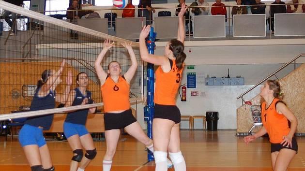 Dva volejbalové maratóny absolvovaly Svitavačky proti celku z Litovle.