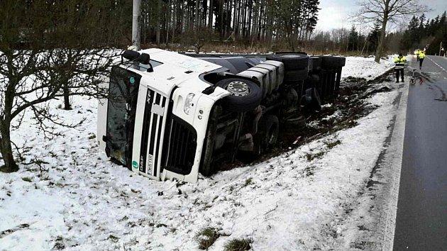 Nehoda na silnici I/34.