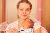 ŠTĚPÁN KOŘENOVSKÝ. Hoch přišel na svět 13. května v 0.25 hodin v litomyšlské porodnici. Vážil 3,15 kilogramu a měřil 52 centimetrů. S rodiči Pavlínou a Martinem a roční sestřičkou Verunkou bude doma v Moravské Třebové.