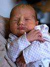 MARTIN DUŠIL. Narodil se 13. dubna Zdeňce a Luďkovi z Prostředního Poříčí. Měřil 53 centimetrů a vážil 3,2 kilogramu. Má sestřičky Soňu a Karolínu.