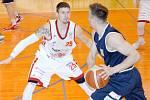 V obou domácích zápasech byl nejlepším střelcem Svitav Pavel Slezák (na snímku v bílém ze čtvrtfinále číslo tři).