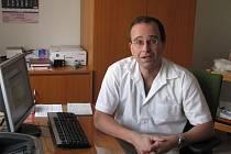Prostory pro ambulanci  opravilo město Březová nad Svitavou. Gynekolog Patrik Mosler ordinuje vždy ve čtvrtek dopoledne. Jeho kolega ho střídá v pondělí.