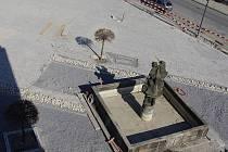 Rekonstrukce centrálního Palackého náměstí pokračuje podle plánu.