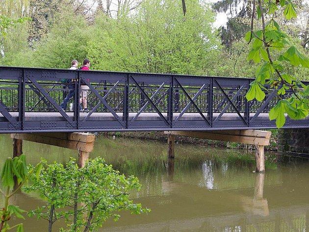 V Poličce hledají technologii na opravu mostu.