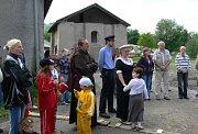 V sobotu na mladějovské úzkokolejce posvětili nový prapor a odjezdovou čekárnu.