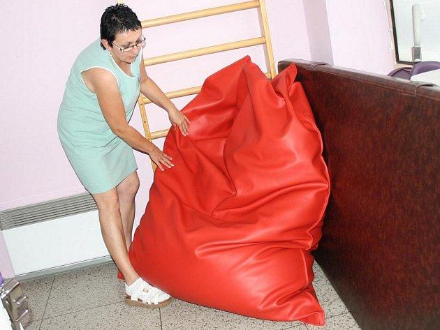 Svitavská porodnice disponuje novinkou. Porodní vak se snadno přizpůsobí tělu maminky.