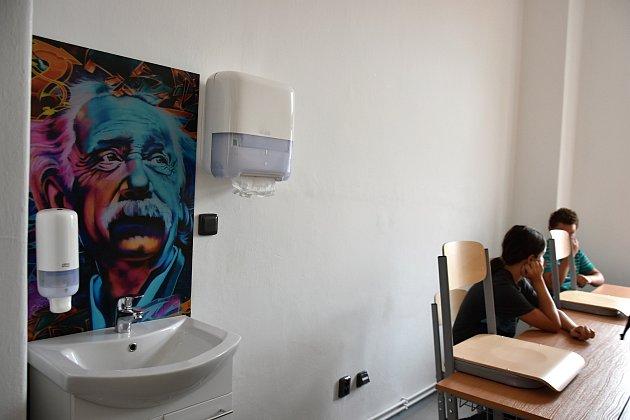 Školamyšl v Litomyšli je v nové budově s moderním vybavením.