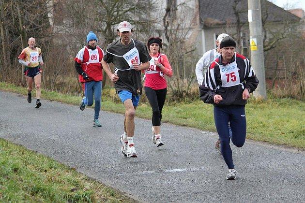 Vánoční běh okolo Zlatého pásku v Němčicích.