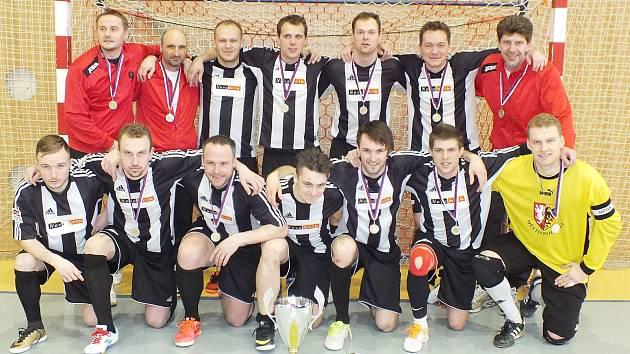 Sáloví fotbalisté z Poličky budou obhajovat stříbrné medaile v celostátní lize.