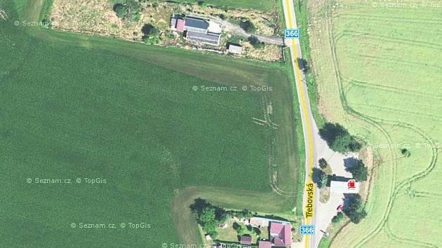 NA OKRAJI MĚSTA po pravé straně silnice 366 by měla v budoucnu vyrůst nová průmyslová zóna.