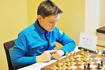 Poličský šachista při jedné z olympijských partií.