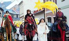 Tři králové přijeli do Poličky na koních