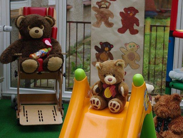 Výstava medvědů ve svitavské speciální mateřské školce.