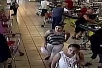 Dvě ženy okradly zákaznici.
