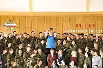 VOJENSKOU STŘEDNÍ ŠKOLU a Vyšší odbornou školu MO v Moravské Třebové navštívila v pondělí ministryně  obrany v demisi Karla Šlechtová.