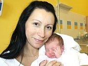 NELA BROŽKOVÁ. Krásná holčička se narodila 23. října v 15.49 hodin. Vážila 3,15 kilogramu a měřila půl metru. S rodiči Veronikou a Danielem bydlí v Žichlínku.