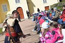 Děti mohou prožít na Svojanově nejen den plný poučení, ale i zábavy.