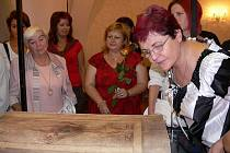 V Jevíčku vystavují maketu Codexu Gigas.