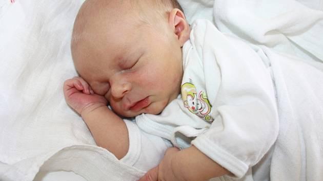 MATOUŠ KLUKA. K tříletému Šimonovi přibyl Světlaně Mackové a Eriku Klukovi druhý synek. Chlapeček se narodil 1. července ve Svitavách. Měřil 49 centimetrů a vážil 2,85 kilogramu. S bráškou bude vyrůstat na Brlence u Čisté.